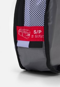 The North Face - BASE CAMP DUFFEL S UNISEX - Sports bag - sweet lavender/black - 7