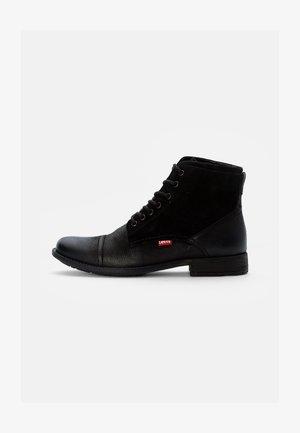 FOWLER - Šněrovací kotníkové boty - regular black