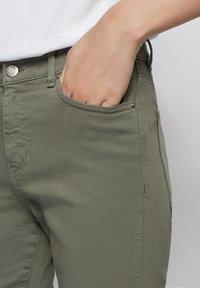 BOSS - Slim fit jeans - dark green - 3