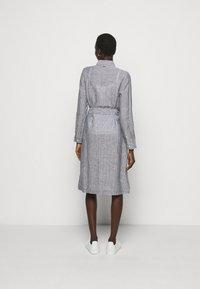Barbour - TERN DRESS - Sukienka koszulowa - navy - 2