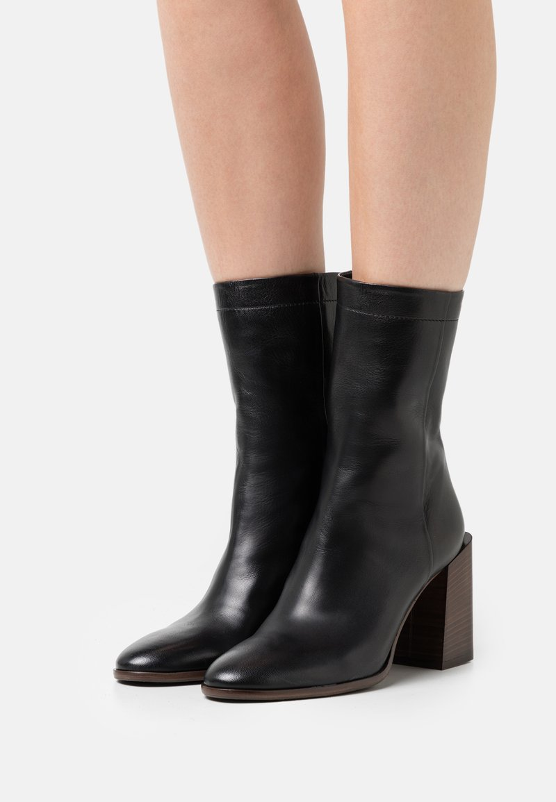 Furla - ESSENCE BOOT  - Classic ankle boots - nero