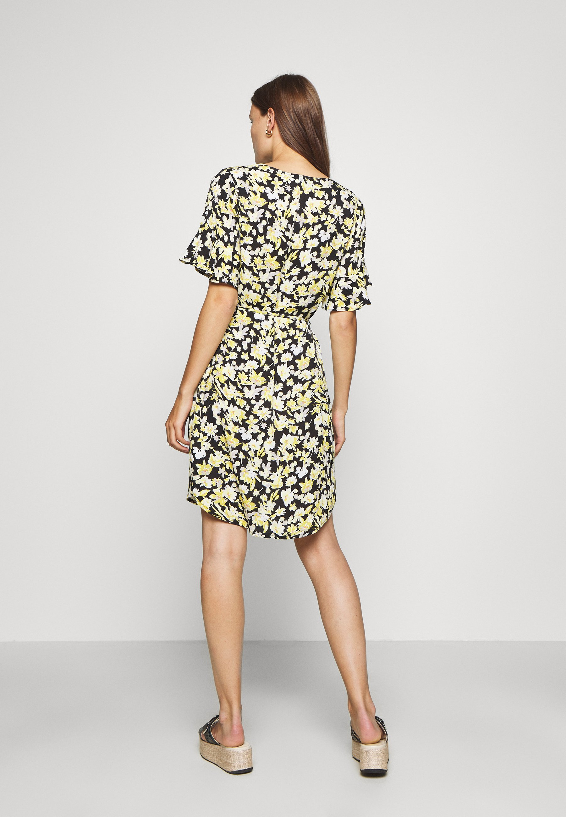 Modström CASEY PRINT DRESS - Robe d'été - sunshine