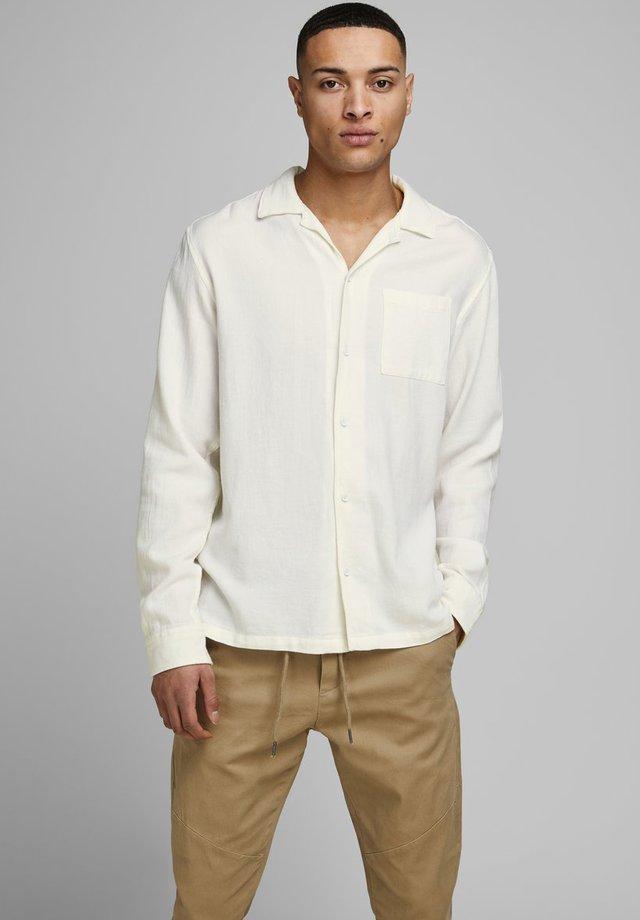STRUKTUR - Shirt - whisper white