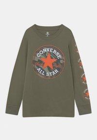 Converse - CAMO FILLED CHUCK PATC TEE - Maglietta a manica lunga - multi-coloured - 0