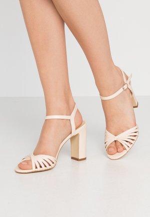 VINTO - Sandály na vysokém podpatku - ivoire