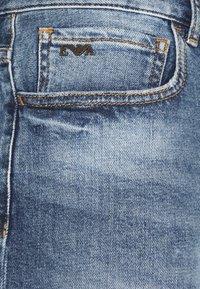 Emporio Armani - FIVE POCKETS PANT - Džíny Relaxed Fit - blue denim - 4
