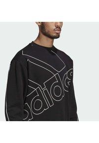 adidas Performance - GIANT LOGO SWEATSHIRT (GENDER NEUTRAL) - Felpa - black - 4