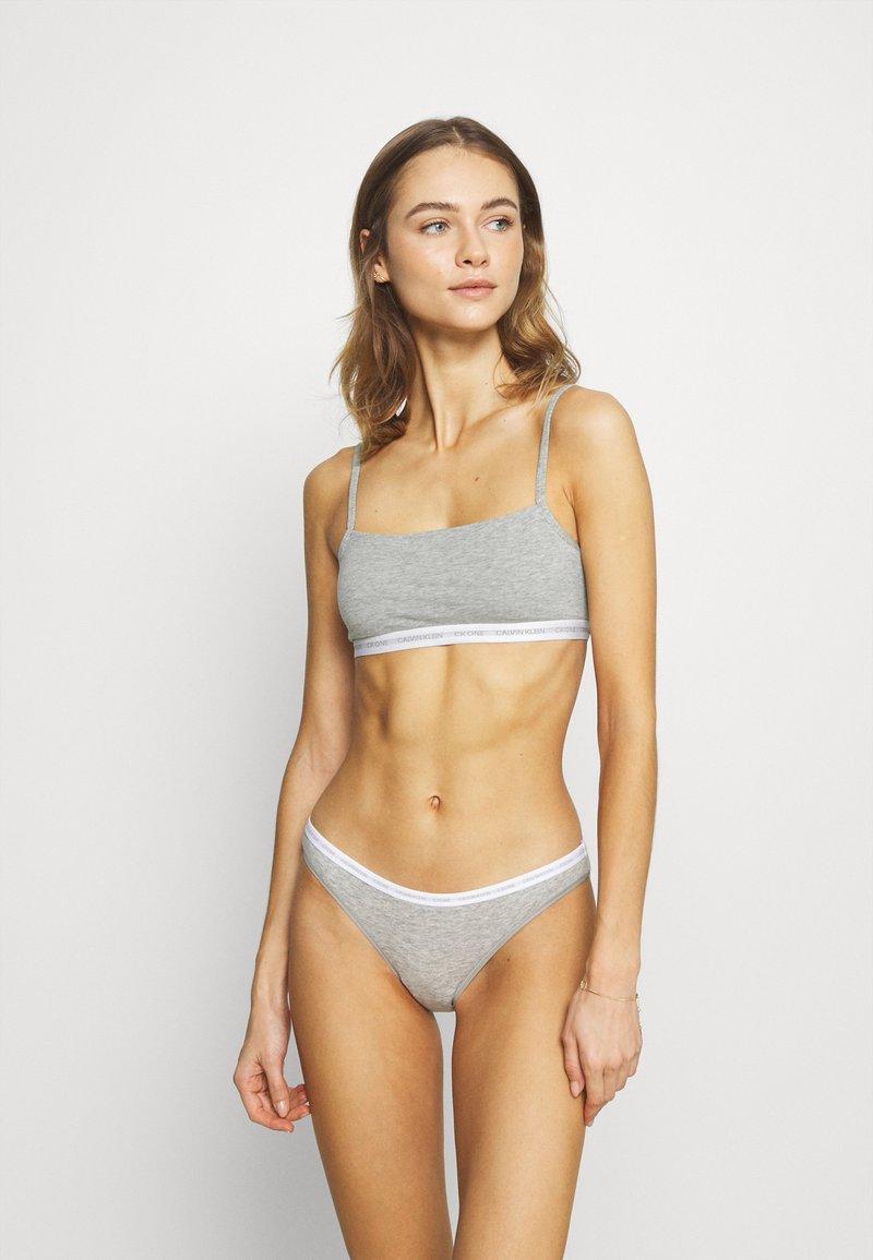 Calvin Klein Underwear - CK ONE UNLINED BRALETTE 2 PACK - Bustino - grey heather/glass tiger print