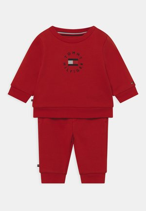 BABY HERITAGE LOGO SET UNISEX - Trainingspak - deep crimson