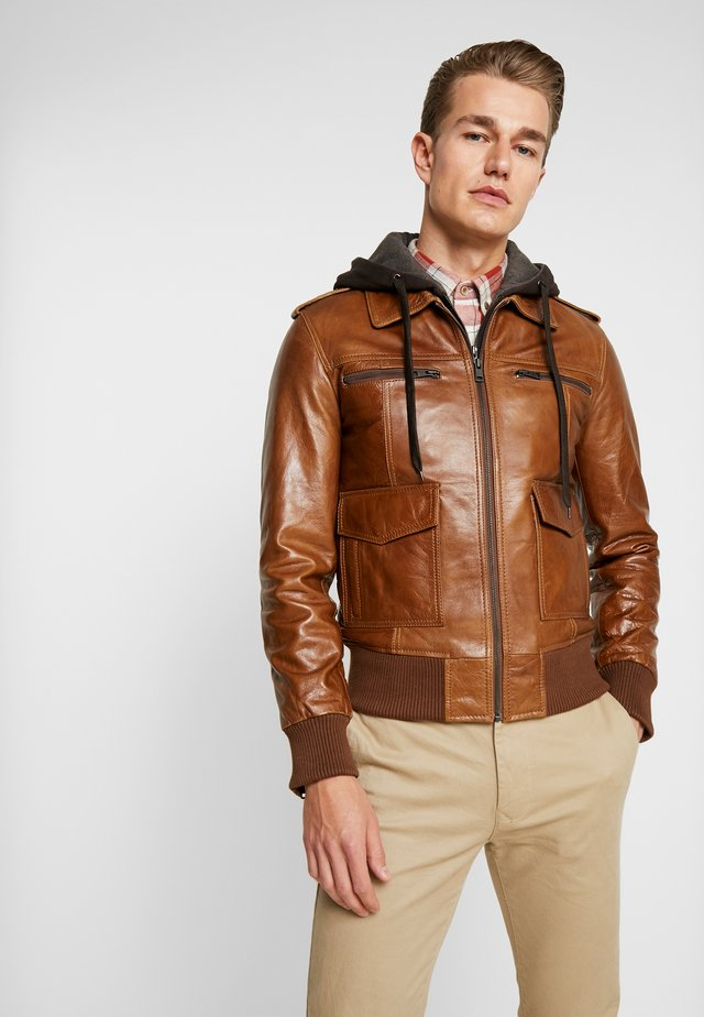 BOMBER HOOD - Leather jacket - oxblood