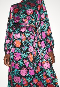 Gestuz - GROA DRESS - Denní šaty - pink roses - 4
