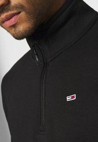 Tommy Jeans - DETAIL MOCK NECK - Sweatshirt - black - 5