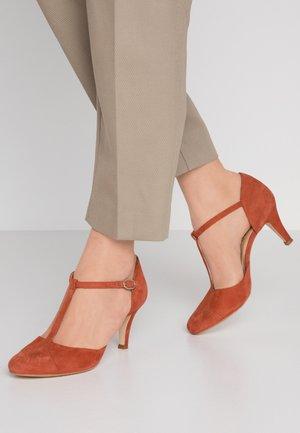 Classic heels - brick