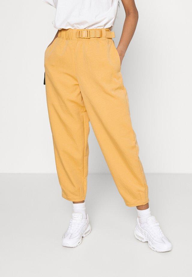 Trousers - bucktan