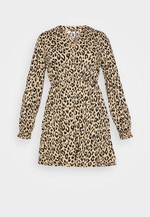 VILITIN SHORT DRESS - Jerseyklänning - ginger root