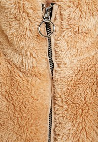 Hollister Co. - NUBBY FASHION PUFFER - Winter jacket - tan - 4