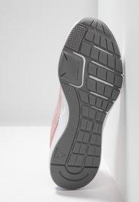 Reebok - RUNNER 3.0 - Juoksukenkä/neutraalit - pink/grey/white/silver - 4