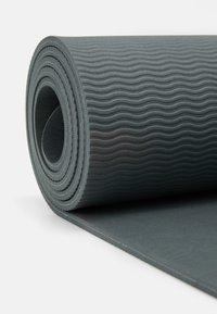 Sweaty Betty - ECO YOGA MAT - Fitness / Yoga - charcoal - 3