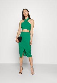 WAL G. - ALI HALTER NECK CUT OUT MIDI DRESS - Vestido ligero - leaf green - 1