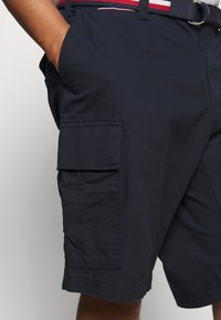 Tommy Hilfiger - JOHN  - Shorts - blue - 4
