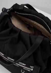 Marc Cain - NB.1 NB T6.07 W14 - Handbag - black - 4