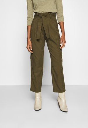 TURN UP DETAIL - Trousers - summer olive