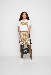 Versace Jeans Couture - BUCKLE SHOULDER BAG - Across body bag - nero - 6