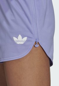 adidas Originals - Shorts - light purple - 3