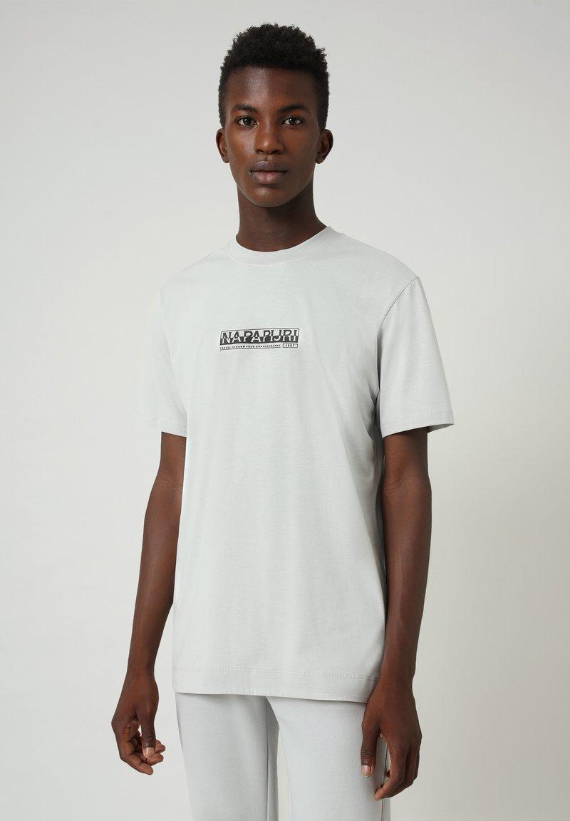 Napapijri - S-OODI - T-shirt med print - grey harbor