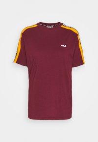 Fila Tall - TANDY TEE - Print T-shirt - tawny port/orange popsicle - 0