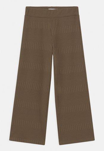 NKFONETAL PANT - Trousers - khaki