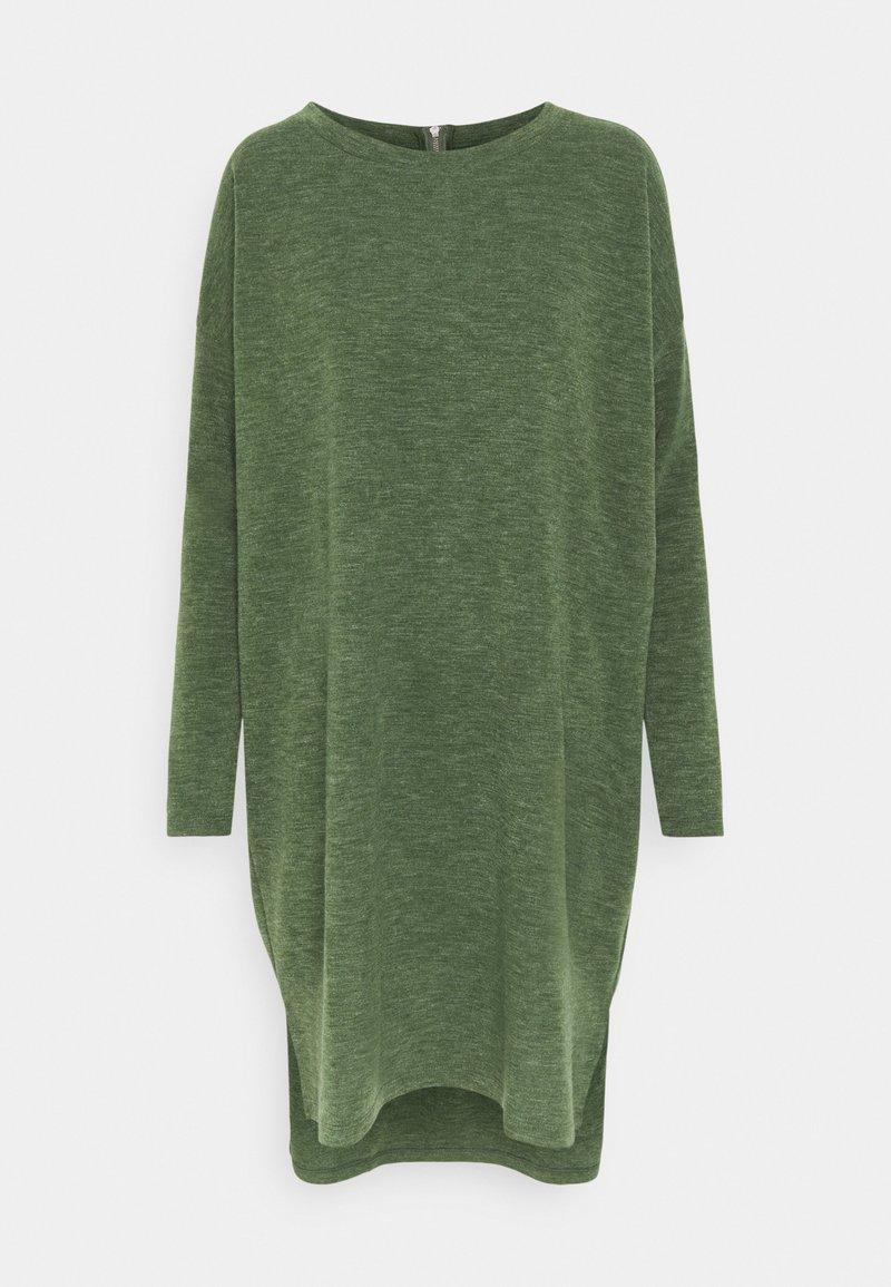 Vero Moda - VMAMAIMARCO O NECK DRESS - Strikket kjole - black forest melange
