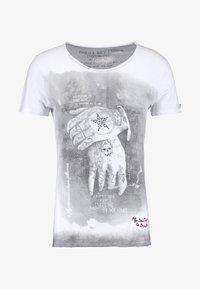 Key Largo - ALIVE - T-shirt con stampa - white - 6
