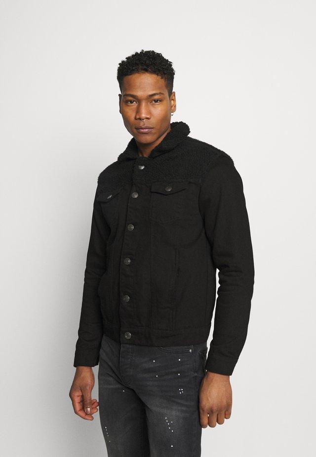 WILBERT - Veste en jean - black denim/black borg