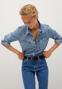 Mango - MOM80 - Jean slim - dark blue - 4