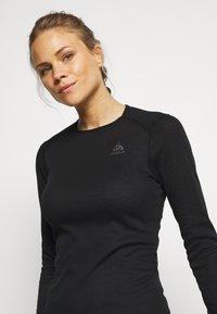 ODLO - CREW NECK ACTIVE WARM - Unterhemd/-shirt - black - 3