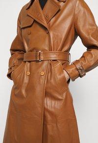 Alberta Ferretti - Trenchcoat - brown - 8