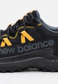 New Balance - SHANDO - Trail hardloopschoenen - black - 5