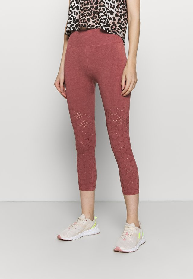 UNIVERSAL SEAMLESS  - Collant - deep rose