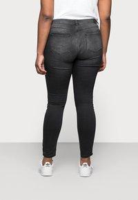 ONLY Carmakoma - CARVICKY LIFE - Jeans Skinny Fit - grey denim - 2