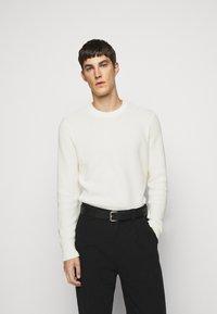 J.LINDEBERG - OLIVER  - Stickad tröja - cloud white - 0