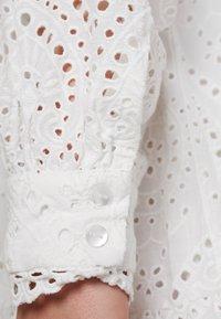 YAS - YASHOLI - Day dress - star white - 5