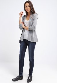 Zalando Essentials - CASHMERE - Cardigan - light grey melange - 1