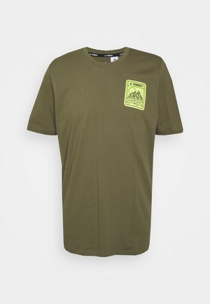 TERREX PATCH MOUNTAIN TEE - T-shirt med print - focus olive