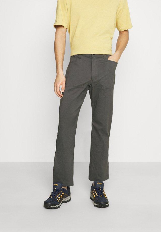 ALL TERRAIN GEAR UTILITY PANT - Kalhoty - dark shadow