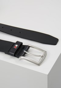 Tommy Hilfiger - NEW DENTON BELT - Vyö - blue - 0