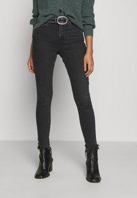 Topshop - JAMIE  - Jeans Skinny Fit - washed black - 0