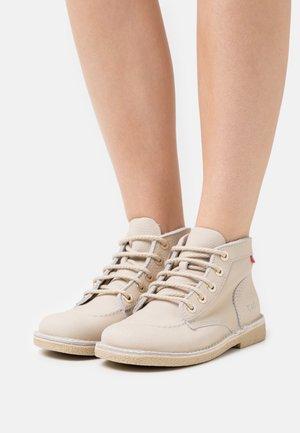 LEGENDIKNEW - Lace-up ankle boots - blanc casse/sem blanche