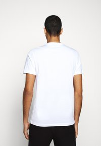 PS Paul Smith - MENS SLIM FIT ZEBRA CLIMB - Print T-shirt - white - 2