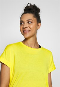 Bogner Fire + Ice - EVIE - T-shirt basic - yellow - 3